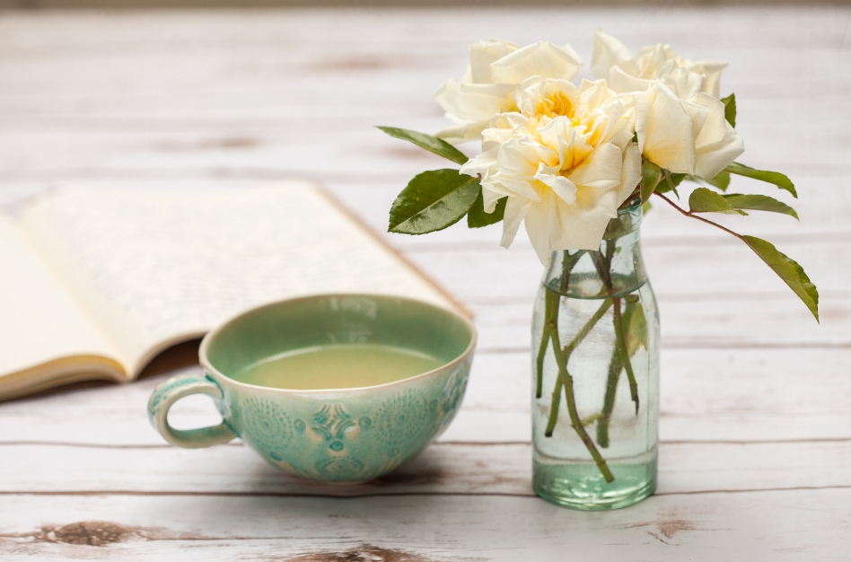 peppermint tea with roses